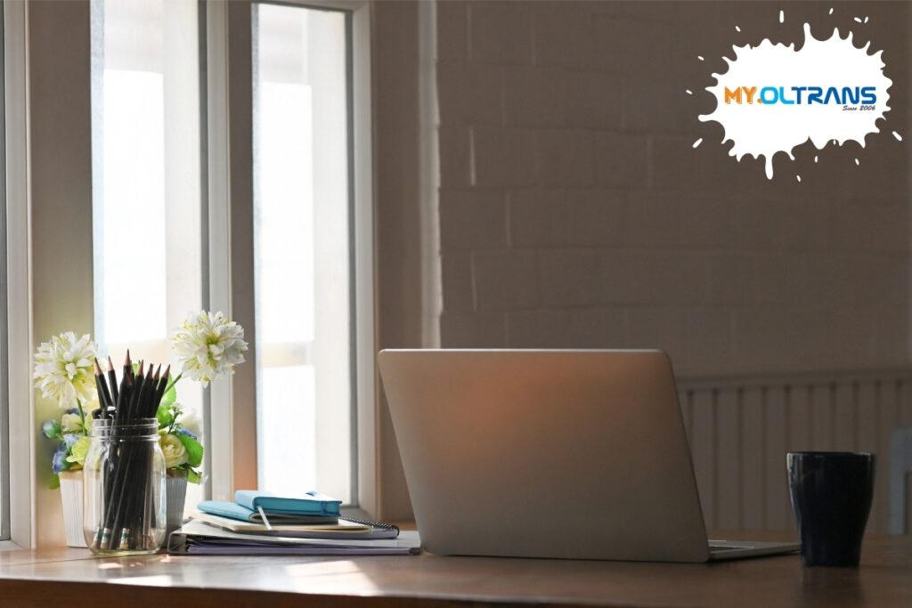 Как да обособите работото си място като преводач - значението на светлината